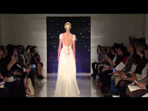 La New York Bridal Week si tinge di sensualità con la nuova collezione primavera 2016 di Reem Acra