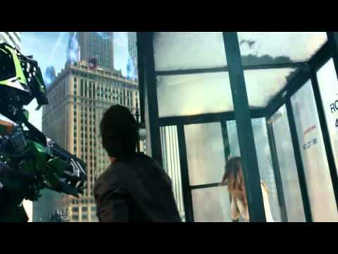 Transformers 3 - Optimus kills Shockwave