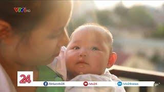 Thiên thần nhỏ bị bỏ quên tại Bệnh viện Phụ sản Trung ương | VTV24
