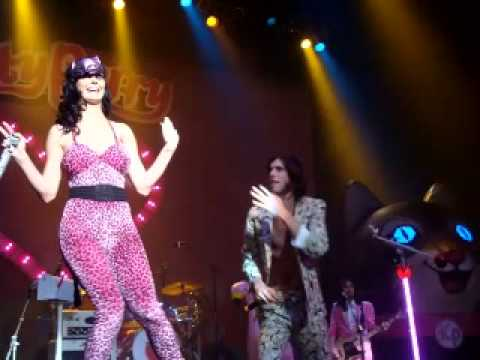 3OH!3 Starstrukk Remix Featuring Katy Perry +HQ Download
