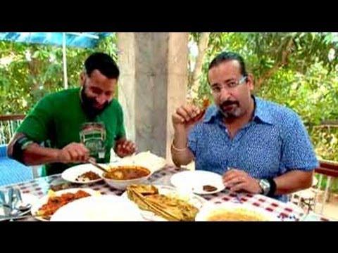 The Highwaymen enjoy traditional Kerala platter
