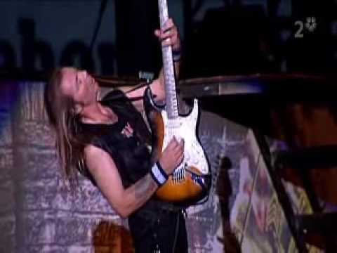 Iron Maiden - Hallowed Be Thy Name (Live at Ullevi)