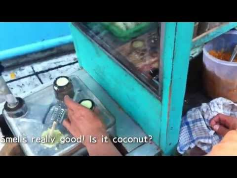 Kue Putu & Klepon (Coconut Pandan Cake) - Indonesia Street Food