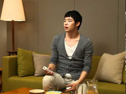 Yoochun playing Legend of Zelda