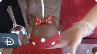 DIY: How-To Make a Minnie Mouse Apple at Candy Cauldron | Walt Disney World