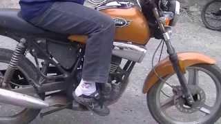 Comment conduire une moto - apprendre à passer les vitesses sur 50 CC