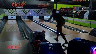 Bowling Café Cici's Pizza - Clearwater, FL - USA