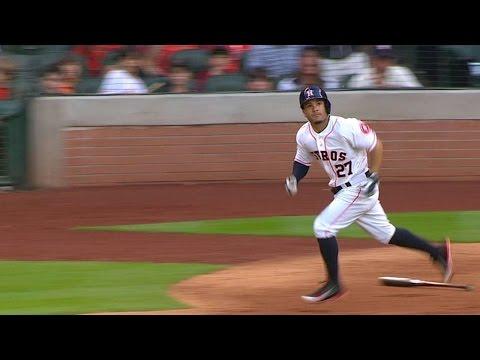 SEA@HOU: Altuve hits a three-run homer in the 4th