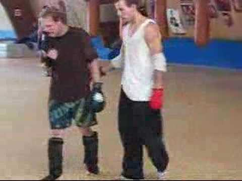Wing Chun vs. Kickboxing dude Image 1