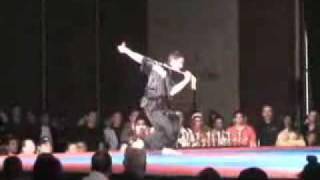 Double Chain Whip - John Su - 6 Time World Champ.avi