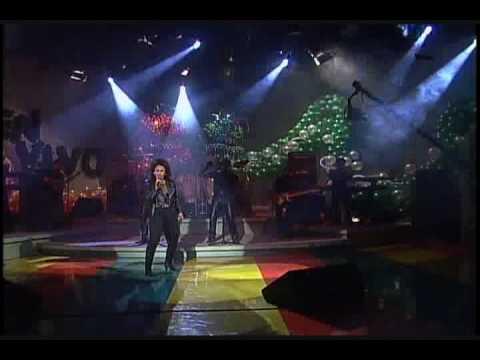 Selena Quintanilla Bidi Bidi Bom Bom  ( Live ) video