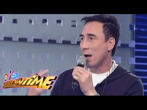 "80s singer Gino Padilla sings ""Gusto Kita"" on It's Showtime"