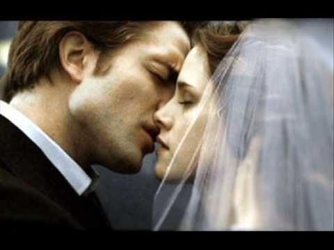 The Twilight Saga : Breaking Dawn Story trailer (fanmade). video