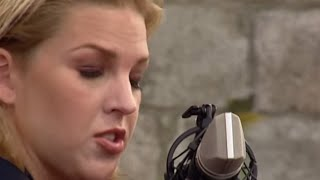 Watch Diana Krall How Deep Is The Ocean How High Is The Sky video