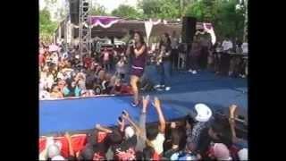 download lagu 09 Sang Pujangga - Alfi Damayanti - OM MONATA gratis