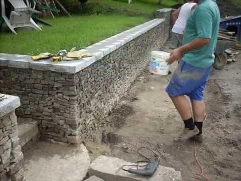 Ogrodzenie z cegły rozbiórkowej