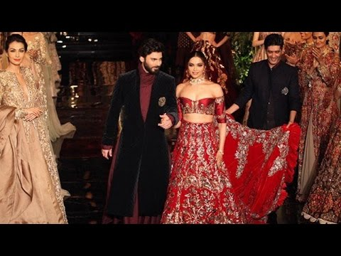 Deepika Padukone, Fawad Khan Show Stopper at Manish Malhotra's Show at India Couture Week 2016