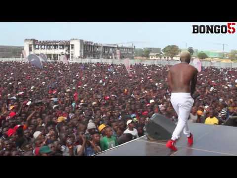 Hamornize aliamsha dude Komaa Concert ya EFM