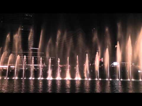 Dubai Wasserspiele Fountains Burj Khalifa