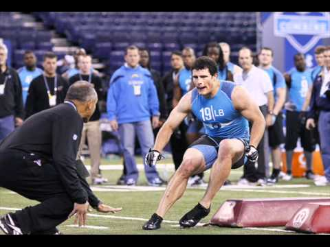 Panthers pick linebacker Luke Kuechly