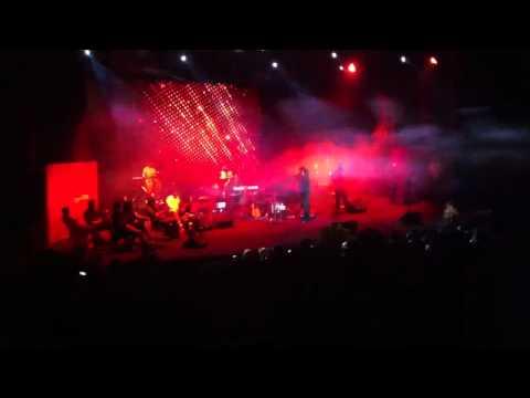 Mohsen Yeganeh - Sokoot (2) live ( borj e milad ) ( 14 tir )