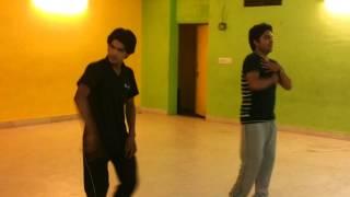 dance practice by a doctor --sajde kiye hai lakho --must watch dhoom 5 like dance..