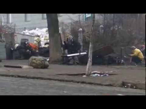 Full Videoproof of Maidan snipers killing Ukraine Civilians Shooting From Behind! GRAPHIC !