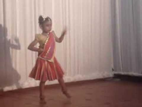 Malayalam Folk Dance Ukg Joanna Changampuzha Kili Paadi video
