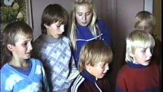 Raganovci spevaju v Turcovciach -- Sept 1990.wmv