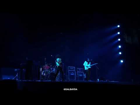 IV OF SPADES - Mundo (PANIC! AT THE DISCO Live in Manila 2018) FRONT ACT