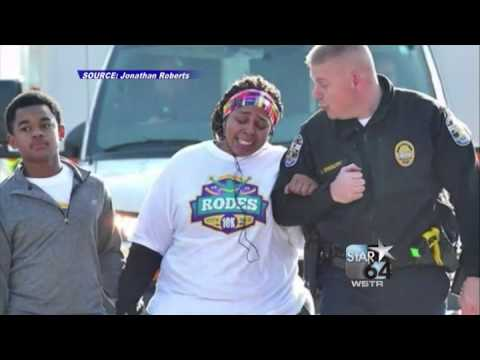 Ky. cop helps woman finish 10K run