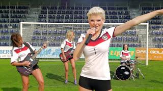 Melanie Müller - Deutschland Schießt Ein Tor! (Official Music Video)