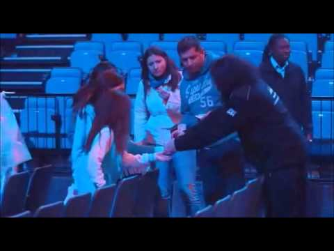 Niall Secuirty Guard Scene This Is Us (HD)