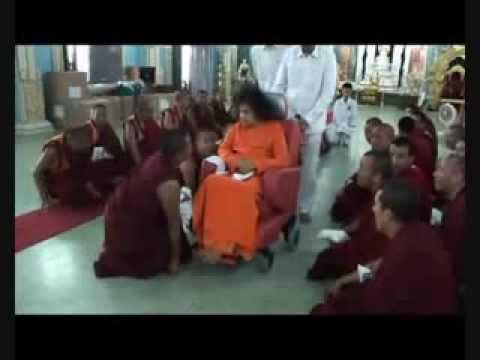 Hari Om Namo Narayana ~ Deva Premal video