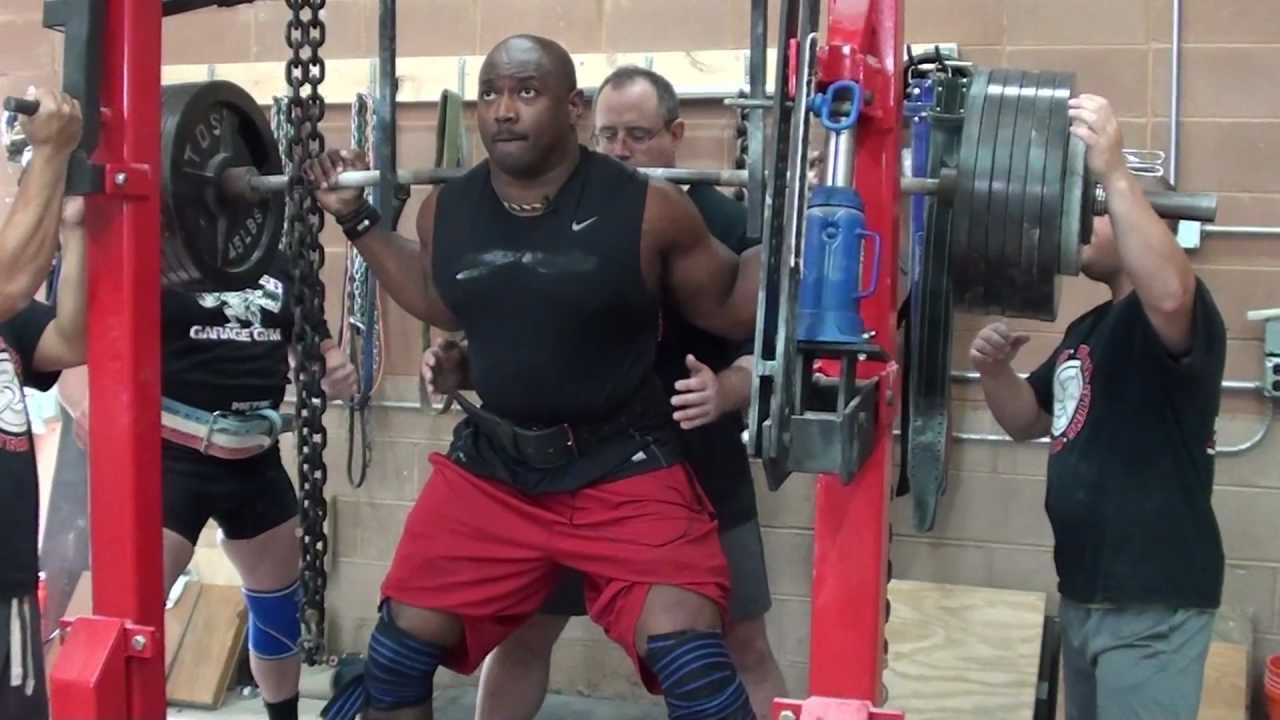 Phillip Daniels 15 Year Nfl Vet 650lb Squat Youtube