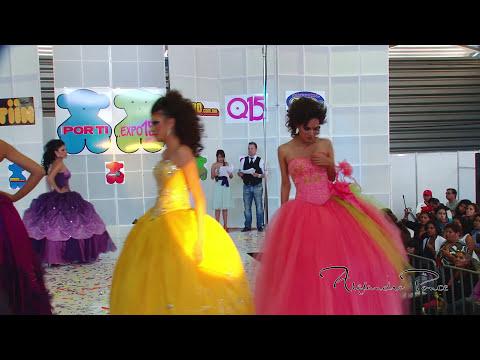 Expo 15 Mexico pasarela de vestidos Alejandro Ponce