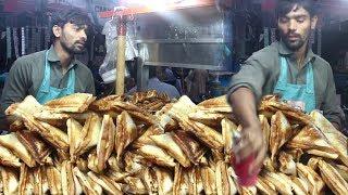 Pakistani Street Food In Karachi   Non Stop Sandwich Maker   People Are Crazy For Chicken Sandwich