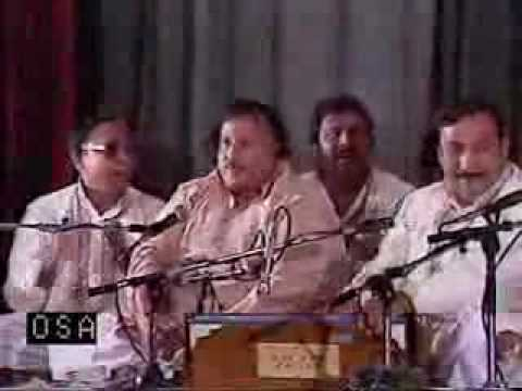 Pir Naseer UdDin Naseer R.A BEST KALAM READ BY NUSRAT FATHA...