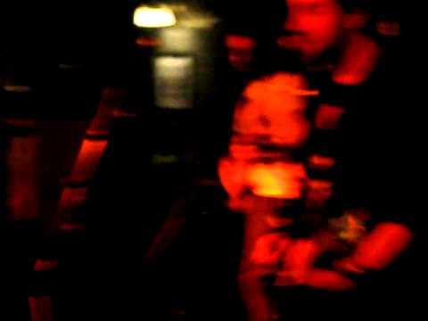 Muñecos Rotos - Julia (Directo en la sala Alive)