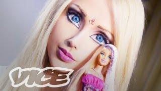 Reportage avec la Barbie humaine