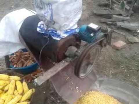 Кукурузолущилка электрическая своими руками 66