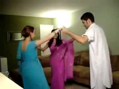 Sexy Pashtun and punjabi girls in sarei from Pakistan dancing with Kashmiri Pandit