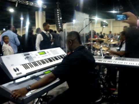 John P. Kee's Band @ COGIC AIM Convention 2010 pt. 1 Video