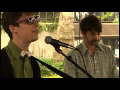 Fanfarlo - Finish Line (HQ/acoustic/live) for Bandstand Busking