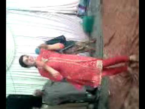 Kashmiri Girl Dancing video