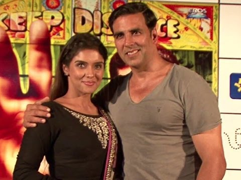 Akshay Kumar & Asin In Bengaluru For The Promotion Of 'Khiladi 786'