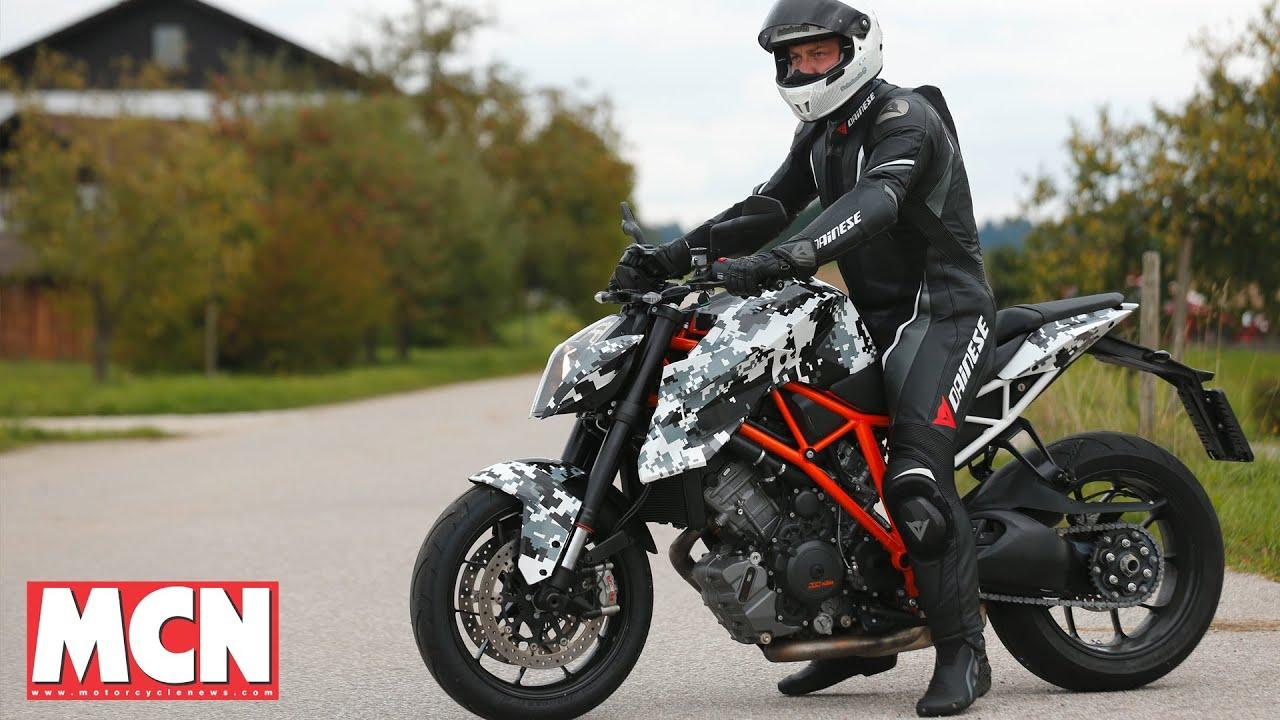 Ktm Duke Vs Ducati Monster