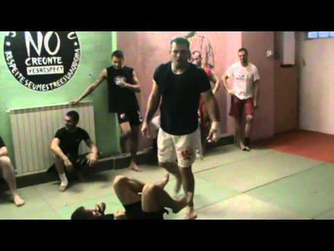 Dean Lister: How to open the closed guard Image 1