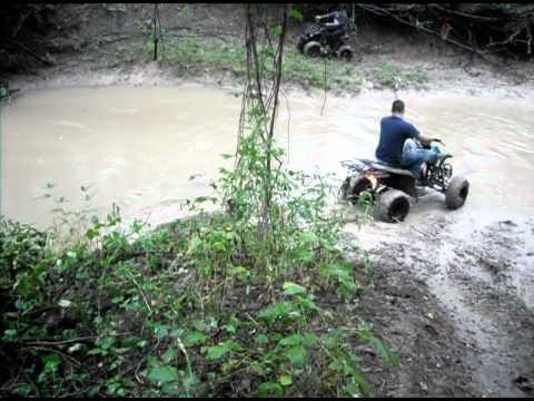4wheelers mudding/trailing in midlo