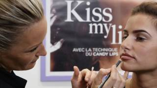 DEMONSTRATION MAQUILLAGE PERMANENT DES LEVRES BY MAUD